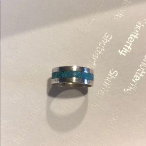 Pretty silver ring
